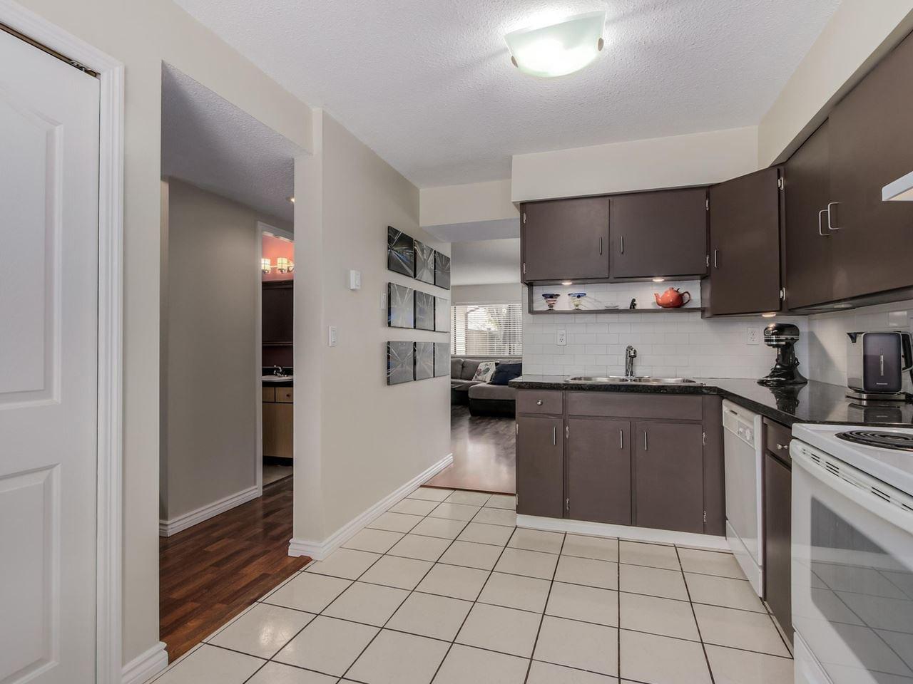 "Photo 9: Photos: 60 4800 TRIMARAN Drive in Richmond: Steveston South Townhouse for sale in ""BIRCHWOOD ESTATES"" : MLS®# R2069692"