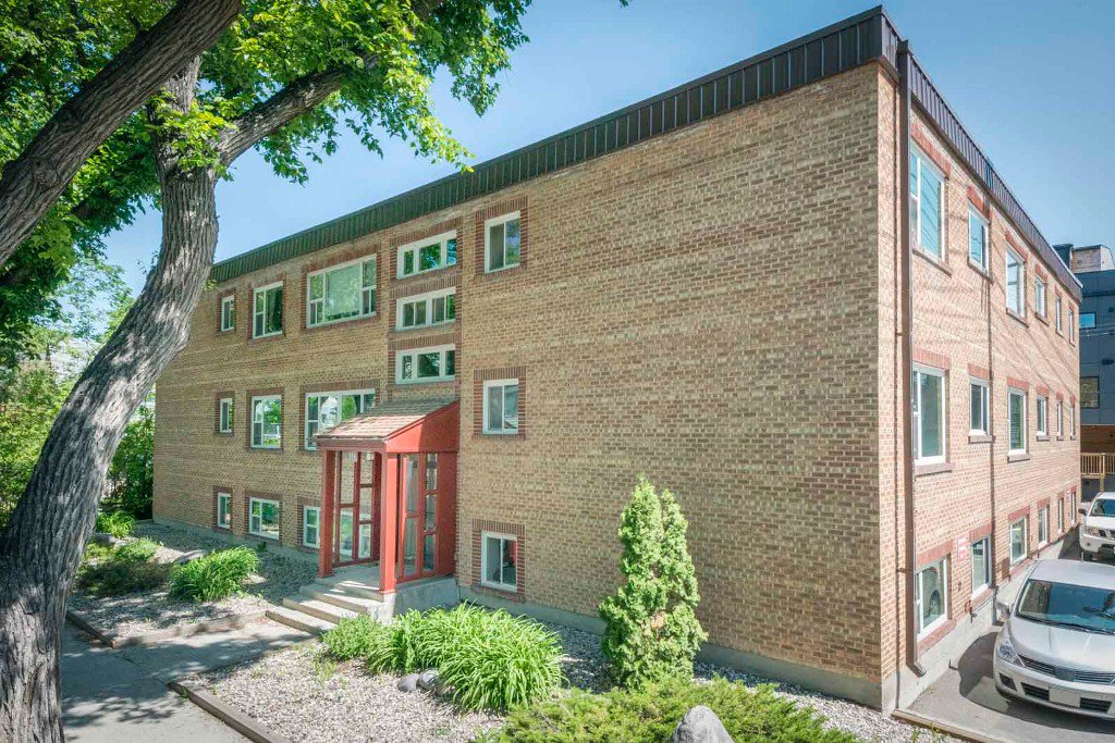 Photo 3: Photos: 118 Scott Street in Winnipeg: Fort Rouge / Crescentwood / Riverview Condominium for sale (South Winnipeg)  : MLS®# 1614966
