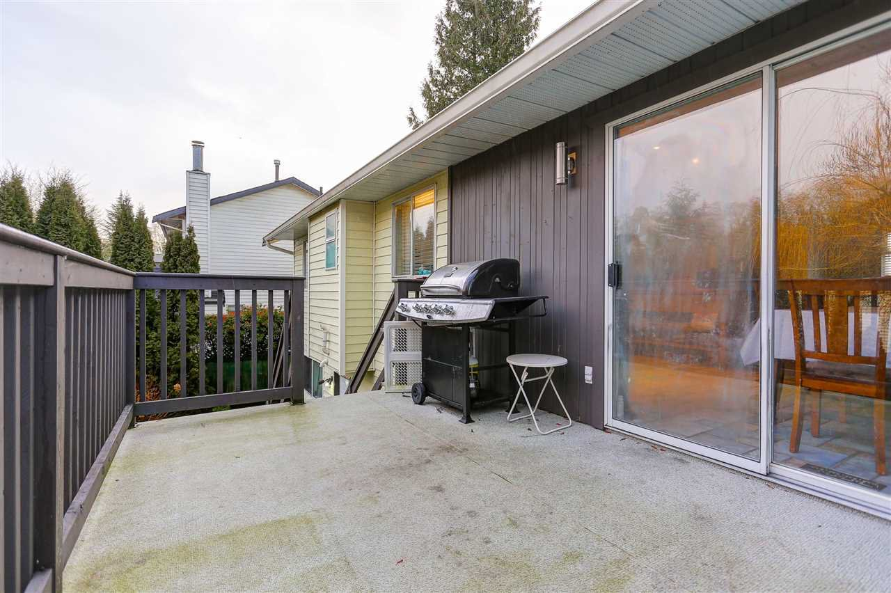 Photo 6: Photos: 9224 213 Street in Langley: Walnut Grove House for sale : MLS®# R2091314