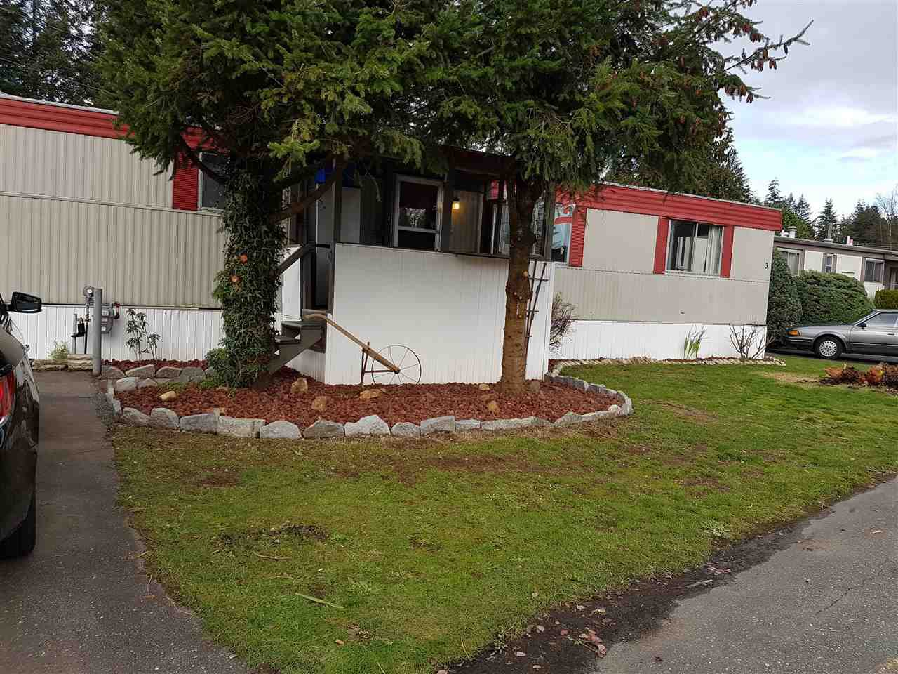 "Main Photo: 3 3031 200 Street in Langley: Brookswood Langley Manufactured Home for sale in ""Cedar Creek Estates"" : MLS®# R2123592"