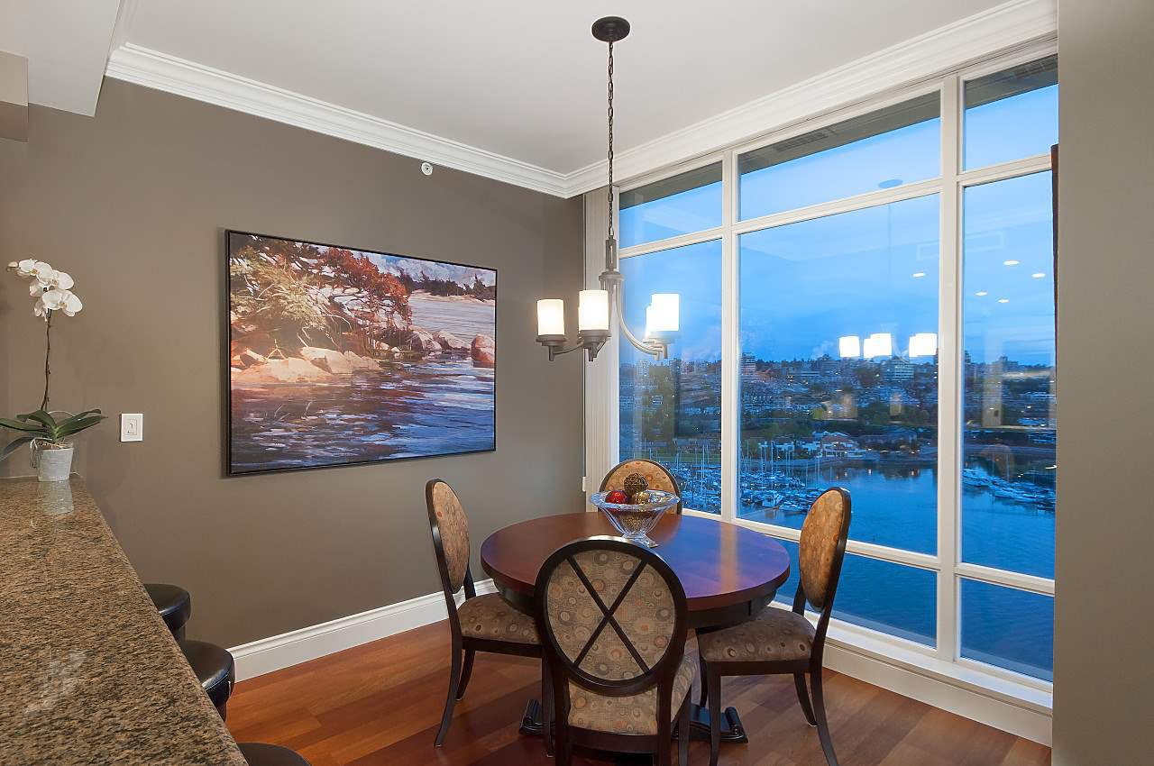 "Photo 6: Photos: 1902 1515 HOMER Mews in Vancouver: Yaletown Condo for sale in ""KINGS LANDING"" (Vancouver West)  : MLS®# R2173719"