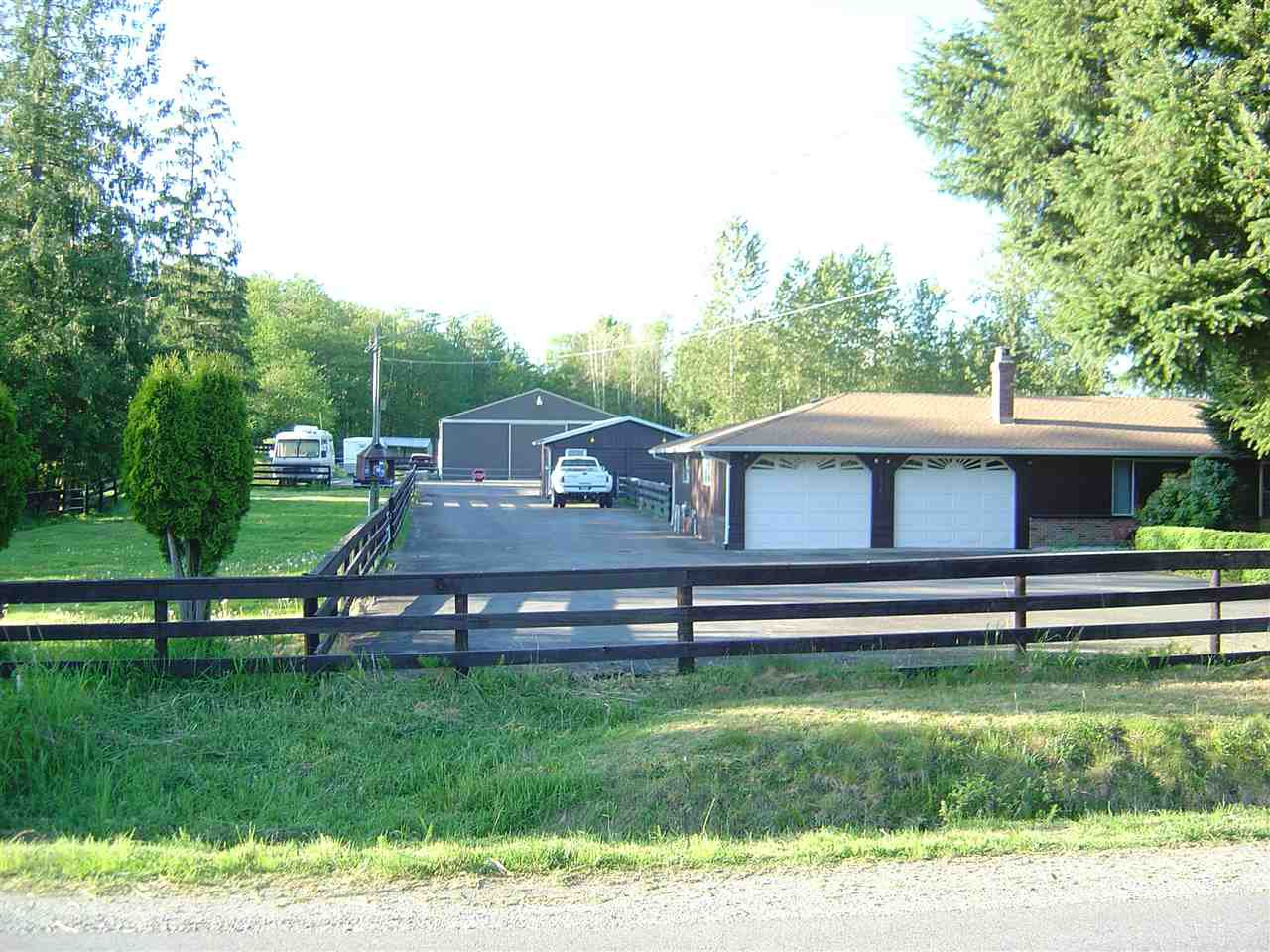 Main Photo: 26167 64 Avenue in Langley: County Line Glen Valley House for sale : MLS®# R2181114