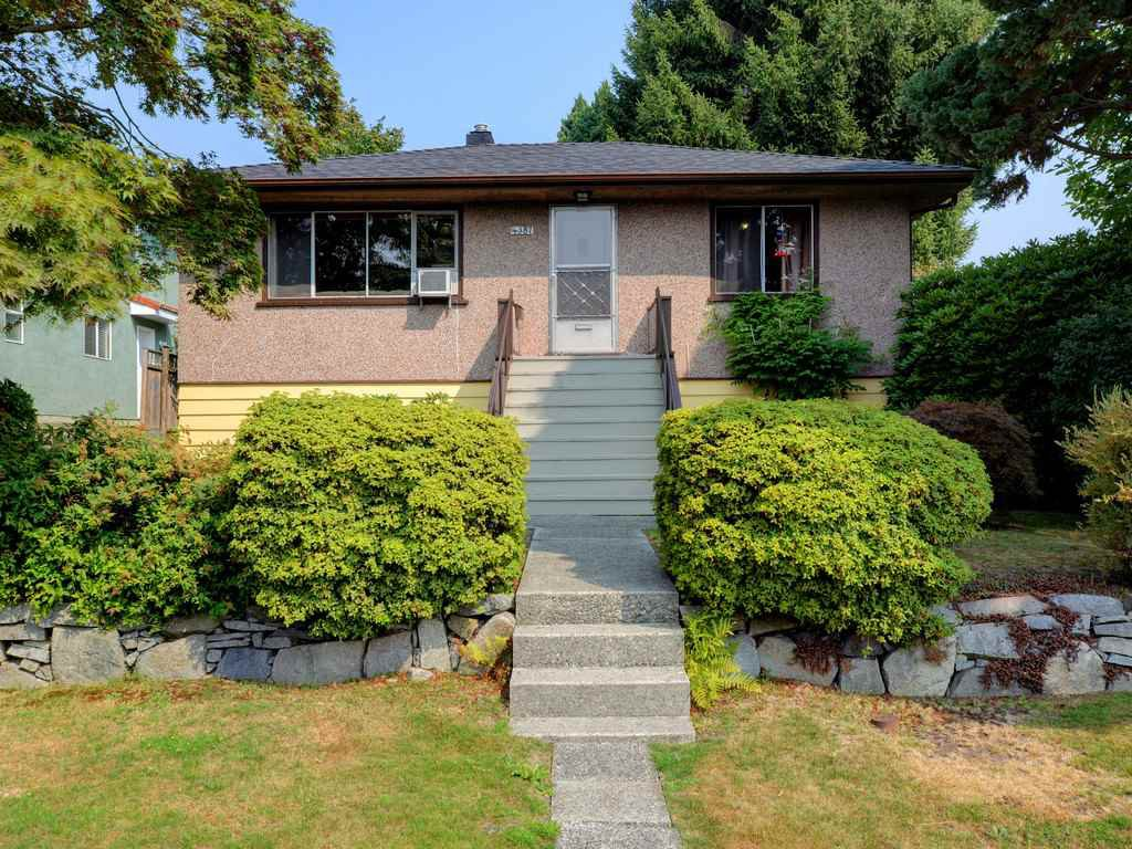 Main Photo: 4387 KITCHENER Street in Burnaby: Willingdon Heights House for sale (Burnaby North)  : MLS®# R2198504