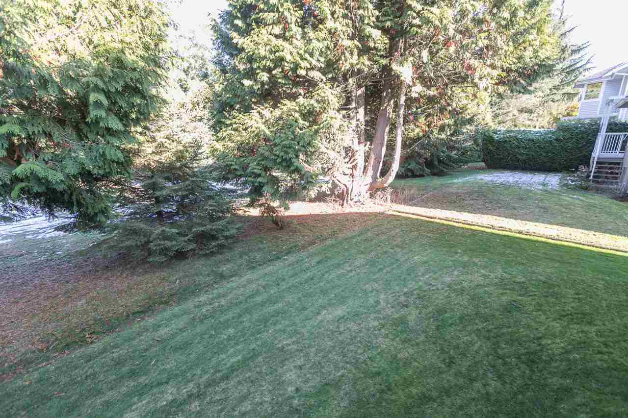 "Photo 18: Photos: 12273 SOUTHPARK Crescent in Surrey: Panorama Ridge House for sale in ""Boundary Park"" : MLS®# R2219655"