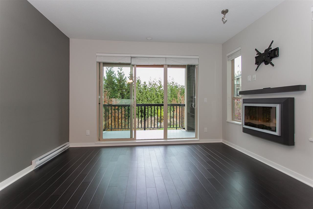 "Photo 6: Photos: 212 5655 210A Street in Langley: Salmon River Condo for sale in ""CORNERSTONE NORTH"" : MLS®# R2220601"