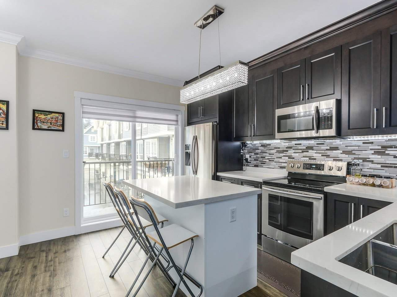 Main Photo: 9 14388 103 Avenue in Surrey: Whalley Townhouse for sale (North Surrey)  : MLS®# R2232766