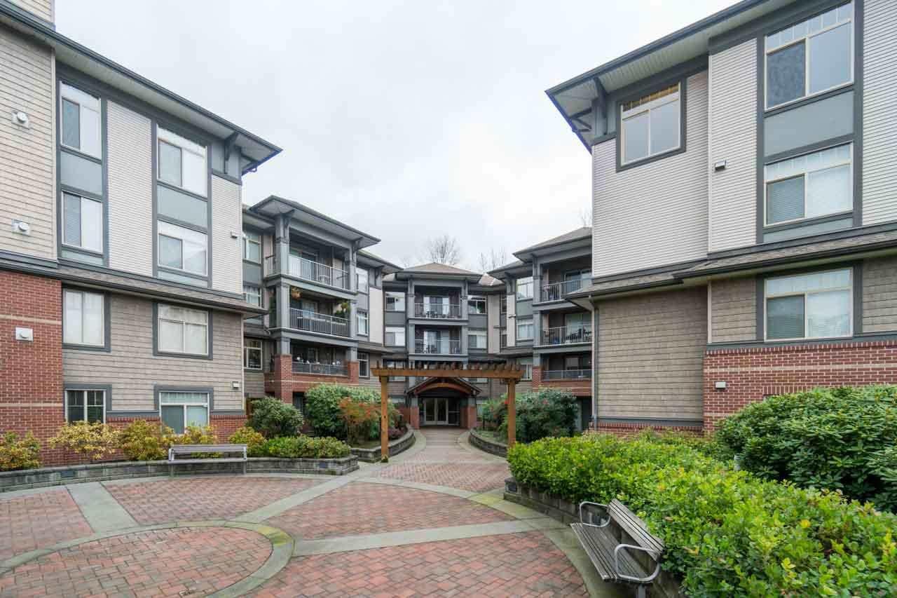 "Main Photo: 308 12020 207A Street in Maple Ridge: Northwest Maple Ridge Condo for sale in ""WESTBROOKE"" : MLS®# R2239201"