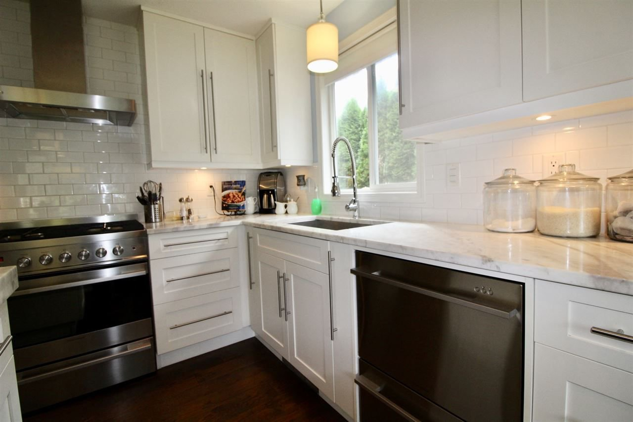 Photo 8: Photos: 527 DRIFTWOOD Avenue: Harrison Hot Springs House for sale : MLS®# R2304518