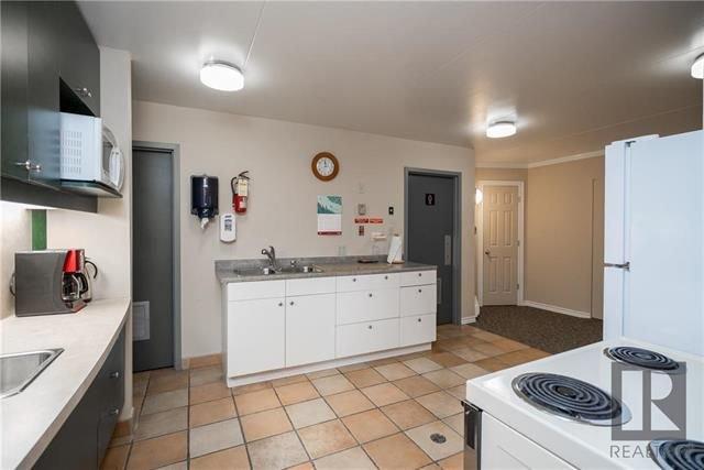Photo 16: Photos: 405 916 Cloutier Drive in Winnipeg: St Norbert Condominium for sale (1Q)  : MLS®# 1826362
