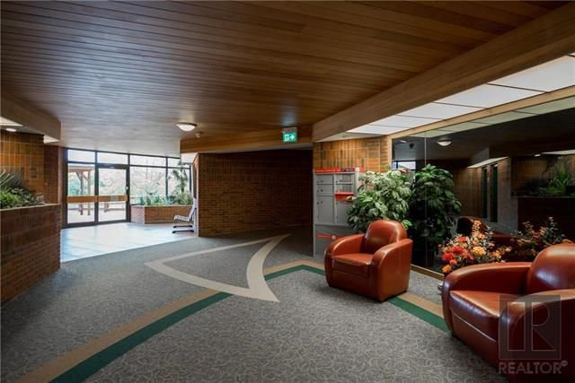 Photo 2: Photos: 405 916 Cloutier Drive in Winnipeg: St Norbert Condominium for sale (1Q)  : MLS®# 1826362