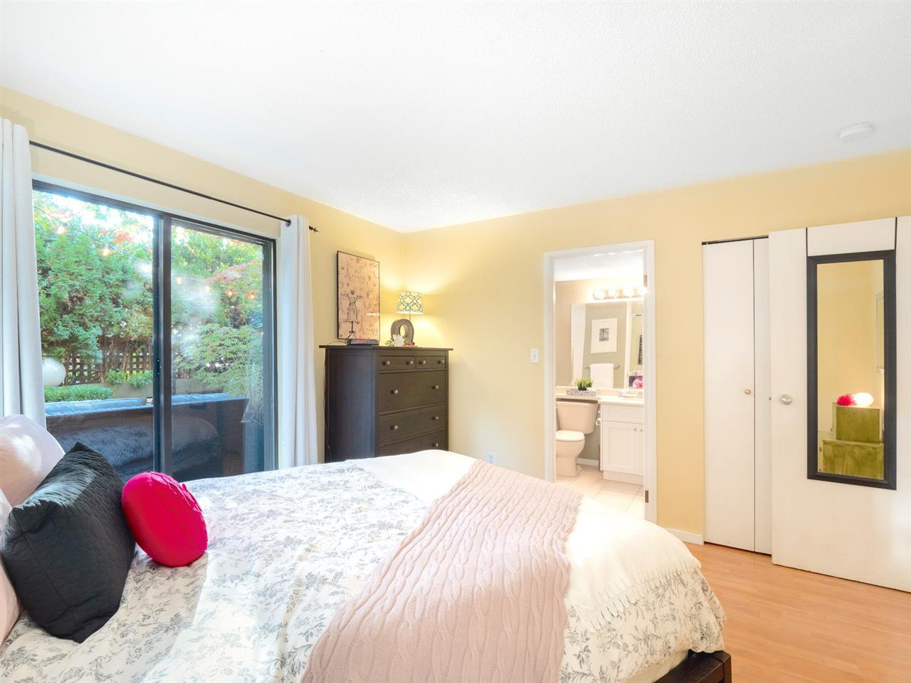 Photo 9: Photos: 101 8645 OSLER Street in Vancouver: Marpole Condo for sale (Vancouver West)  : MLS®# R2311470