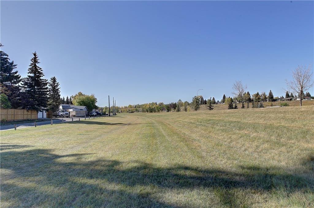 Photo 36: Photos: 252 QUEEN ALEXANDRA Road SE in Calgary: Queensland Detached for sale : MLS®# C4215983