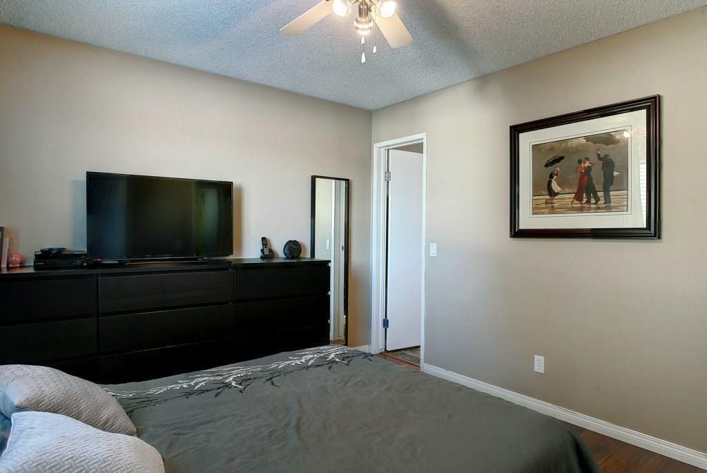 Photo 13: Photos: 252 QUEEN ALEXANDRA Road SE in Calgary: Queensland Detached for sale : MLS®# C4215983