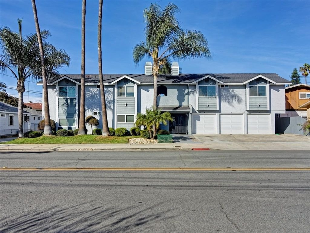 Main Photo: UNIVERSITY HEIGHTS Condo for sale : 2 bedrooms : 2230 MONROE AVE #1 in SAN DIEGO