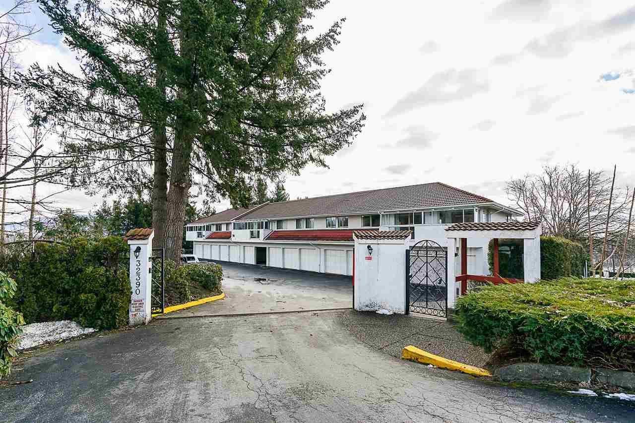 "Main Photo: 8 32390 FLETCHER Avenue in Mission: Mission BC Condo for sale in ""The Courtlands"" : MLS®# R2343882"