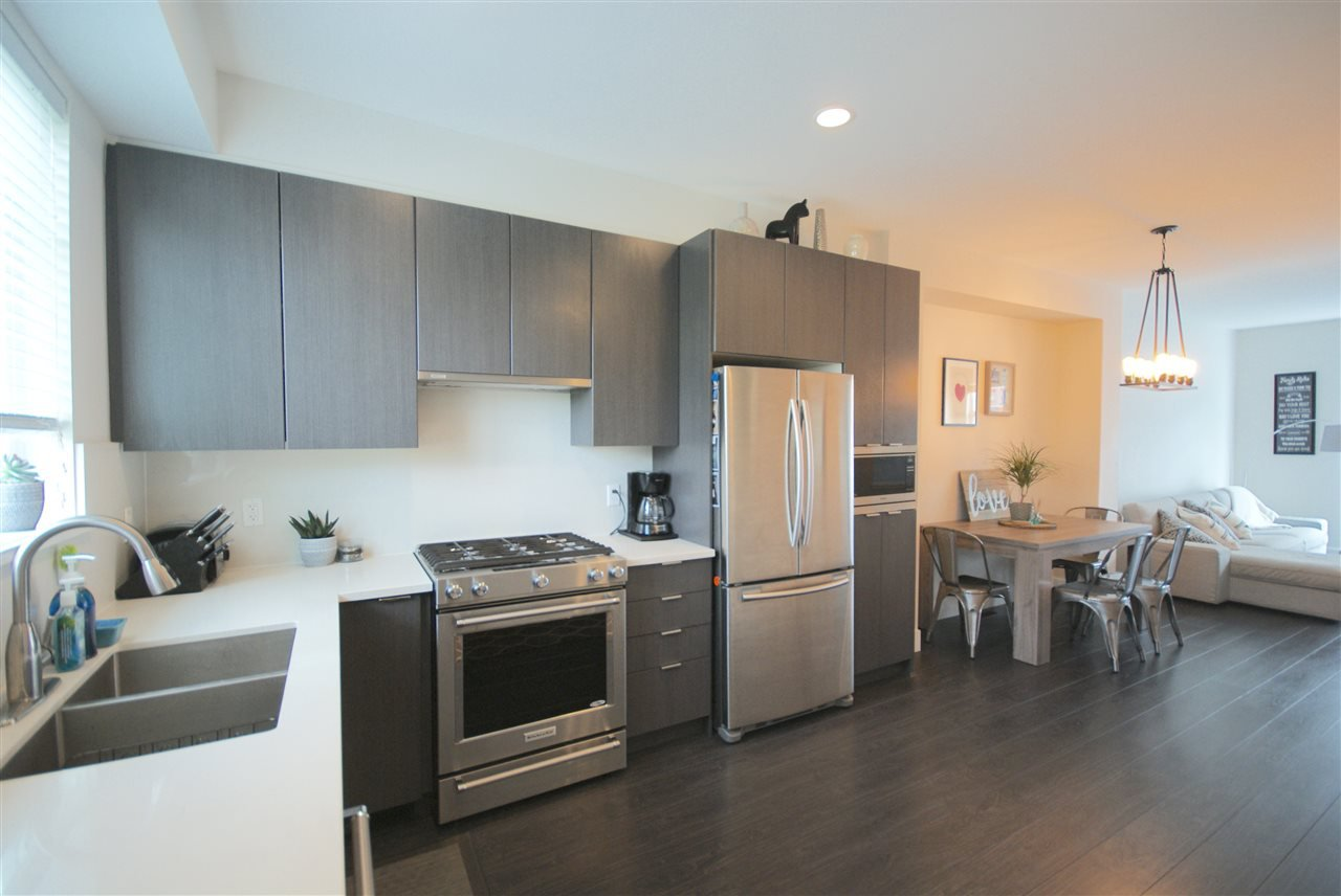"Photo 4: Photos: 30 4588 DUBBERT Street in Richmond: West Cambie Townhouse for sale in ""OXFORD LANE"" : MLS®# R2350007"