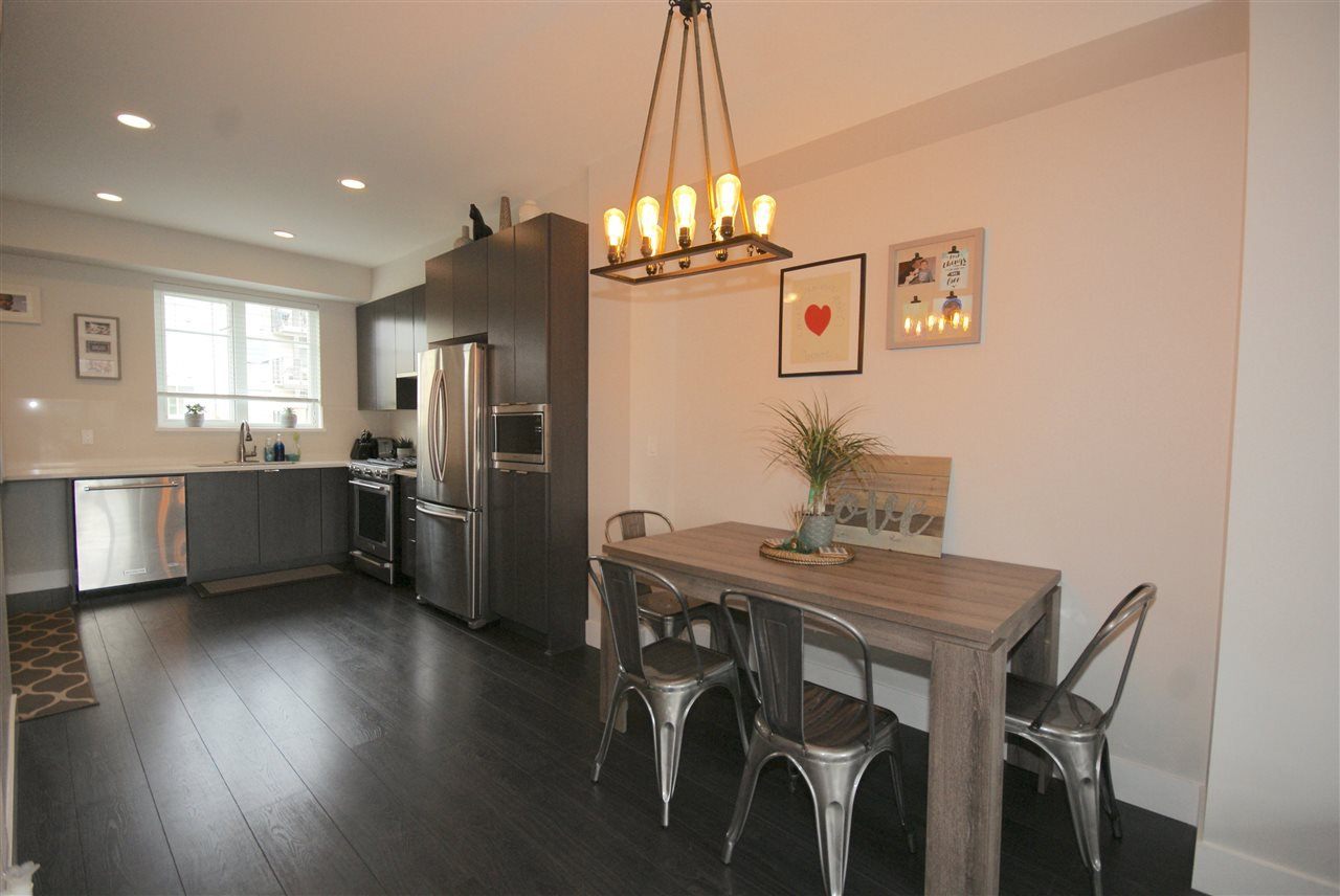 "Photo 3: Photos: 30 4588 DUBBERT Street in Richmond: West Cambie Townhouse for sale in ""OXFORD LANE"" : MLS®# R2350007"