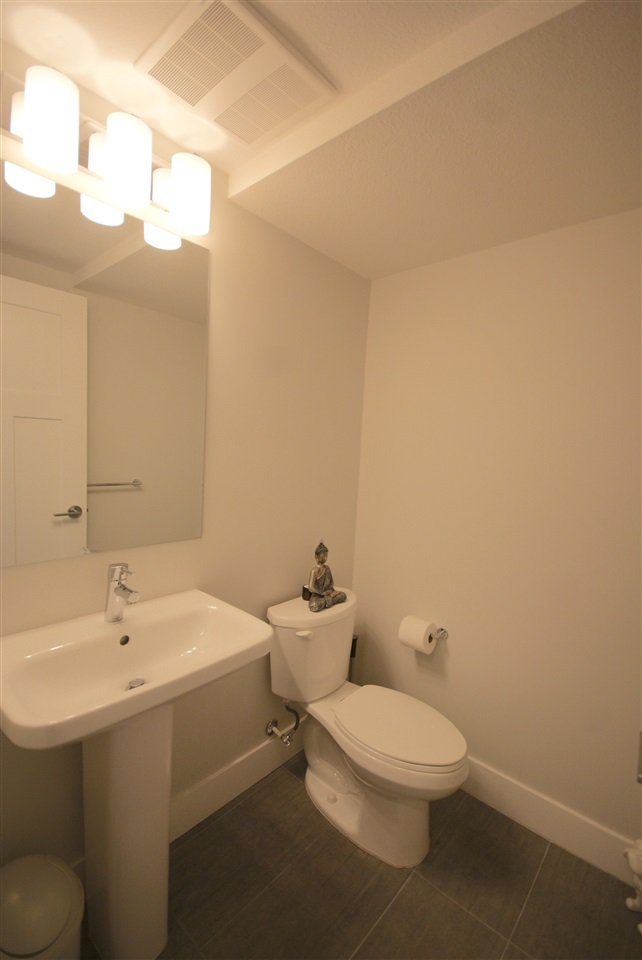 "Photo 12: Photos: 30 4588 DUBBERT Street in Richmond: West Cambie Townhouse for sale in ""OXFORD LANE"" : MLS®# R2350007"