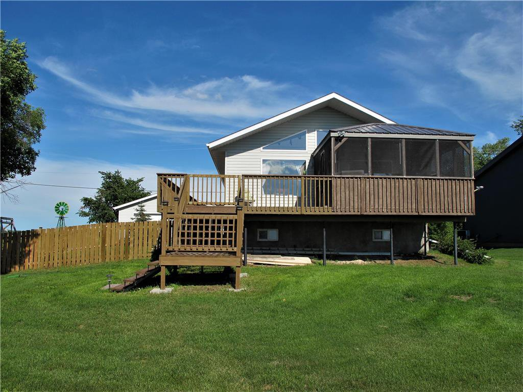 Main Photo:  in St Laurent: Twin Lake Beach Residential for sale (R19)  : MLS®# 202015123