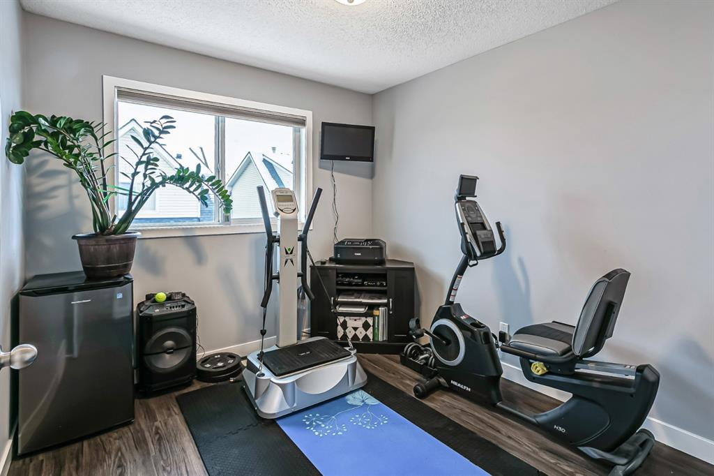 Photo 22: Photos: 177 Mckenzie Towne Gate SE in Calgary: McKenzie Towne Row/Townhouse for sale : MLS®# A1043224