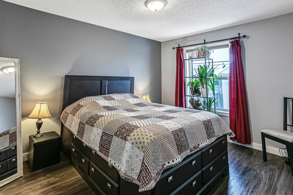 Photo 17: Photos: 177 Mckenzie Towne Gate SE in Calgary: McKenzie Towne Row/Townhouse for sale : MLS®# A1043224