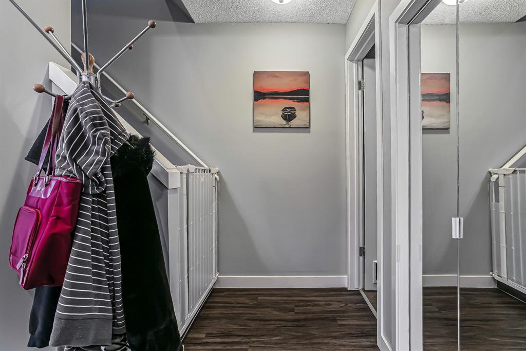 Photo 15: Photos: 177 Mckenzie Towne Gate SE in Calgary: McKenzie Towne Row/Townhouse for sale : MLS®# A1043224