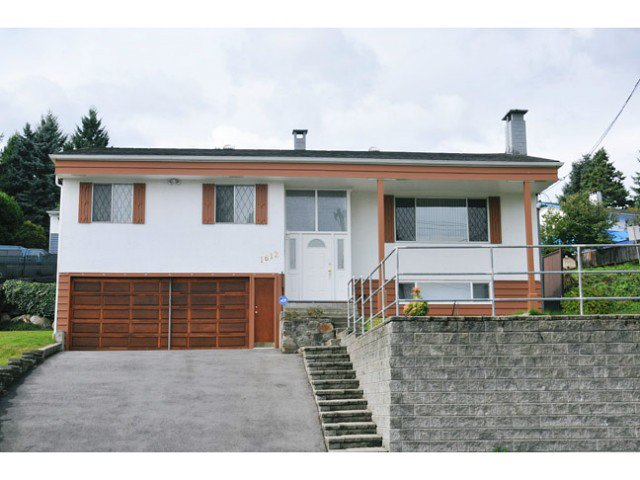 Main Photo: 1612 PITT RIVER Road in Port Coquitlam: Mary Hill House for sale : MLS®# V1030761