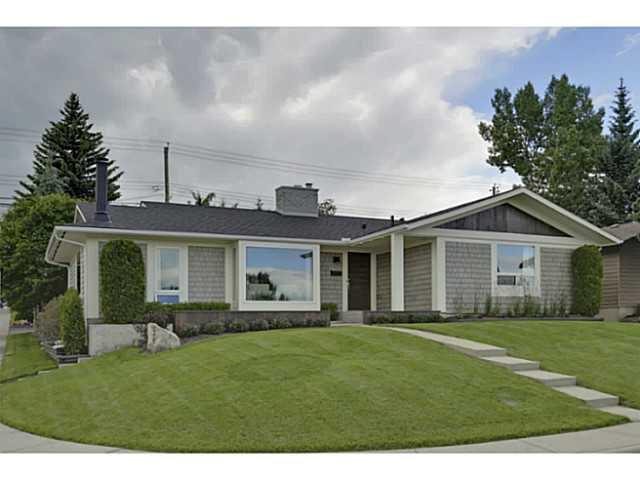 Main Photo: 1235 LAKE BONAVISTA Drive SE in CALGARY: Lake Bonavista Residential Detached Single Family for sale (Calgary)  : MLS®# C3623533