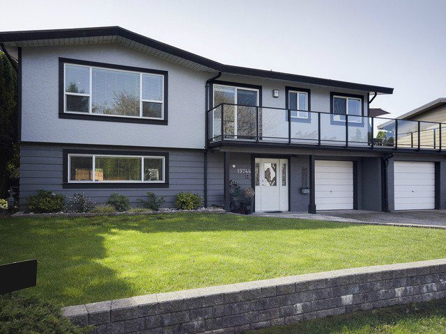 Main Photo: 19744 115A Avenue in Pitt Meadows: South Meadows House for sale : MLS®# V1118317