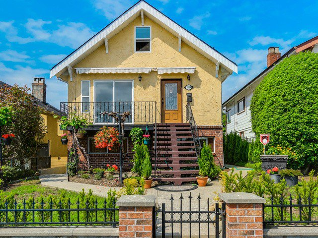 Main Photo: 3639 FRANKLIN Street in Vancouver: Hastings East House for sale (Vancouver East)  : MLS®# V1125412