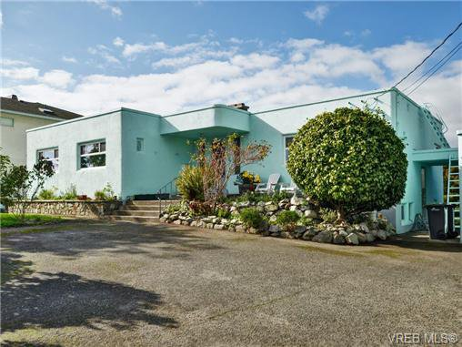 Main Photo: 318 Clifton Terr in VICTORIA: Es Saxe Point House for sale (Esquimalt)  : MLS®# 714838