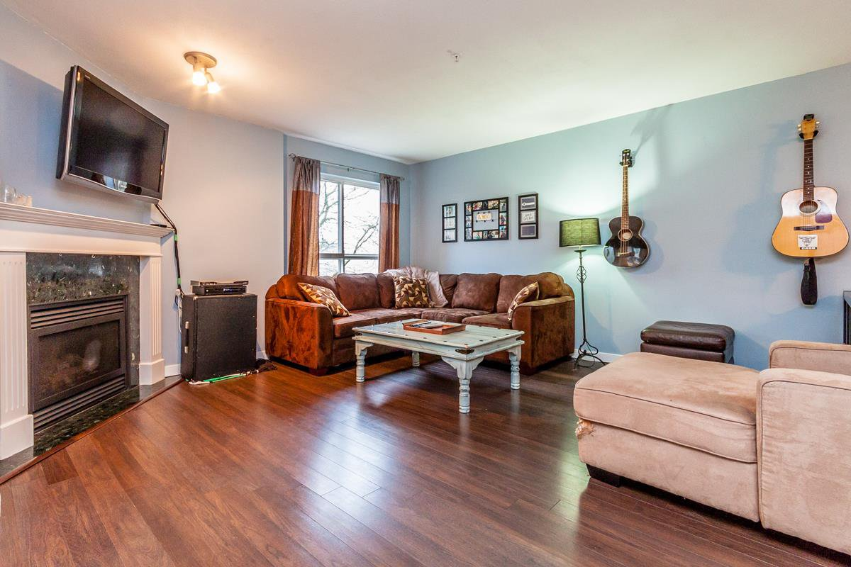 """Main Photo: 224 22150 48TH Avenue in Langley: Murrayville Condo for sale in """"Eaglecrest"""" : MLS®# R2022031"""