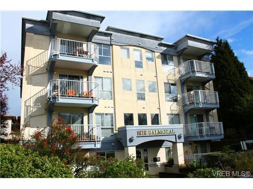 Main Photo: 304 1028 Balmoral Road in VICTORIA: Vi Central Park Condo Apartment for sale (Victoria)  : MLS®# 361768