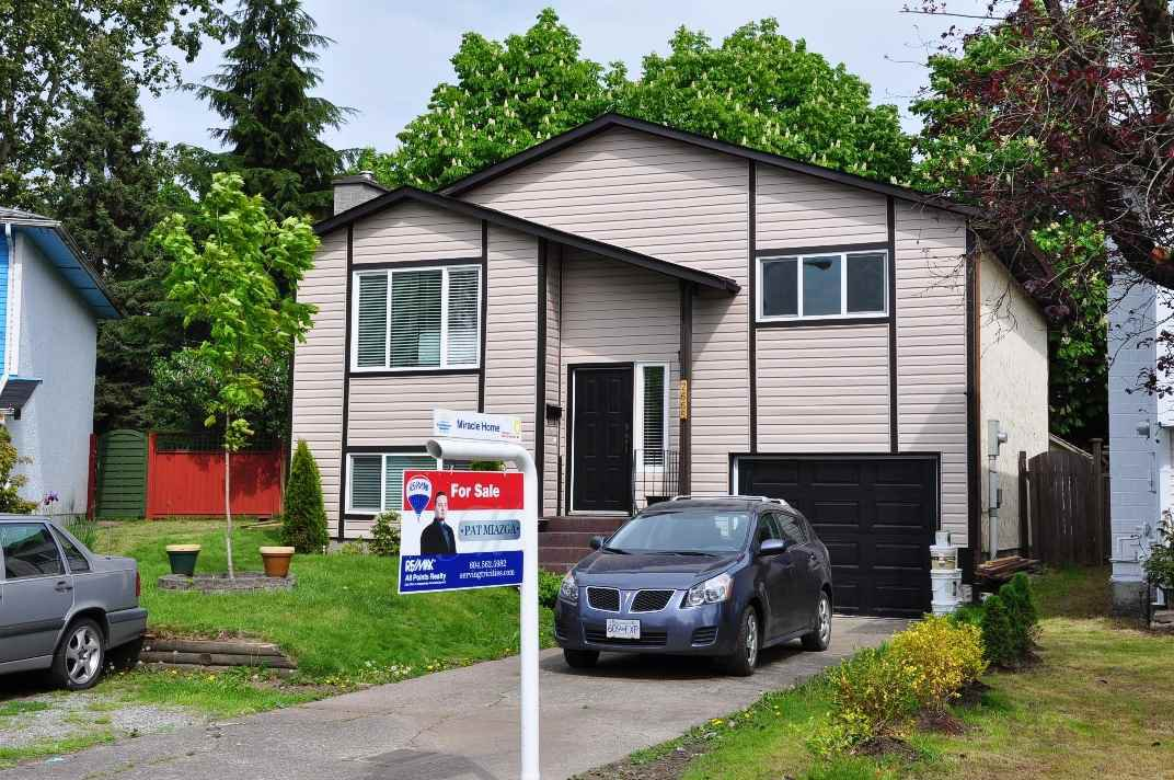 Main Photo: 2665 WILDWOOD Drive in Langley: Willoughby Heights House for sale : MLS®# R2062831