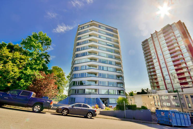 """Main Photo: 701 31 ELLIOT Street in New Westminster: Downtown NW Condo for sale in """"ROYAL ALBERT TOWER"""" : MLS®# R2065597"""