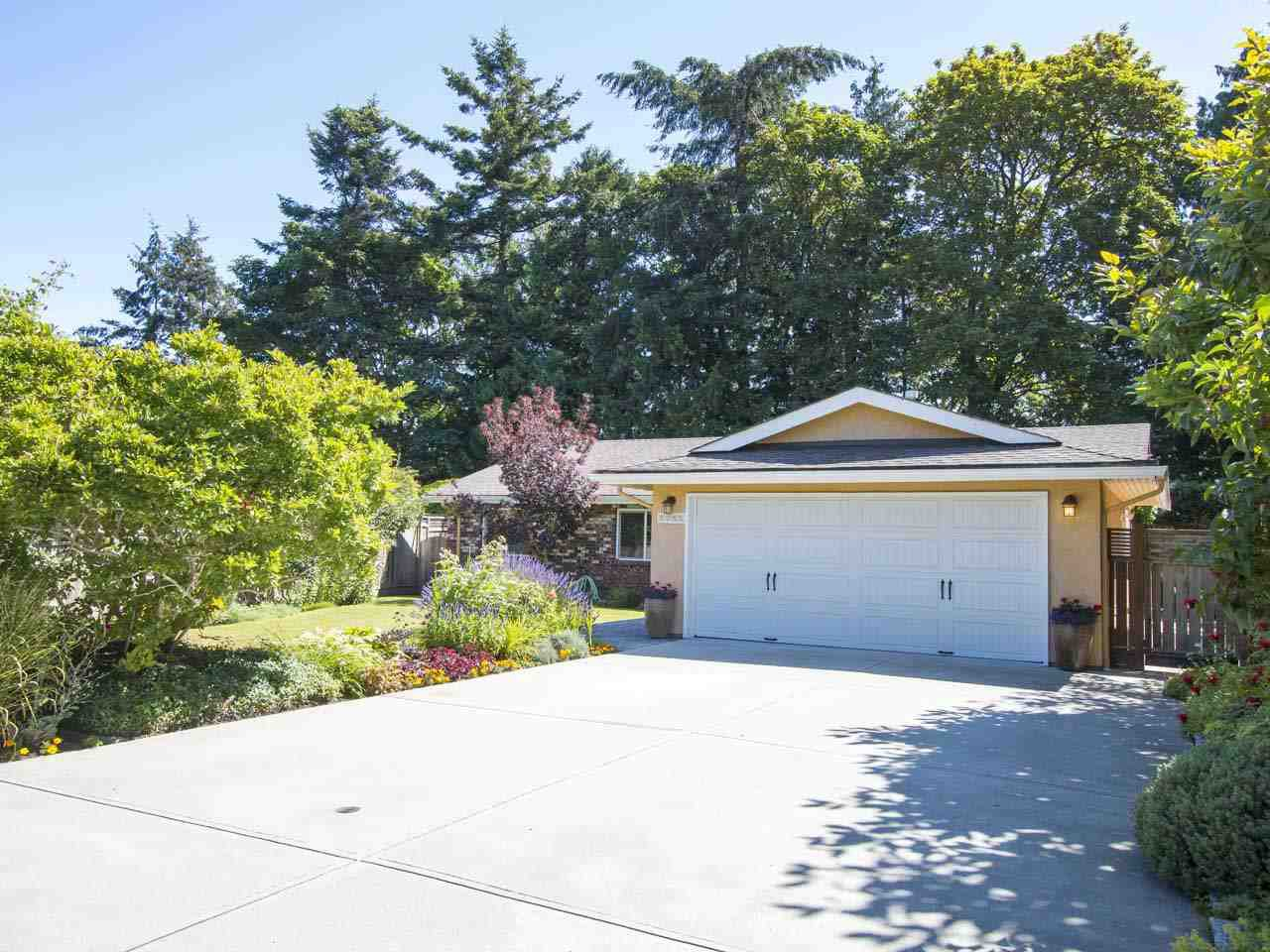 Main Photo: 5755 FERGUSON Court in Delta: Tsawwassen East House for sale (Tsawwassen)  : MLS®# R2090014