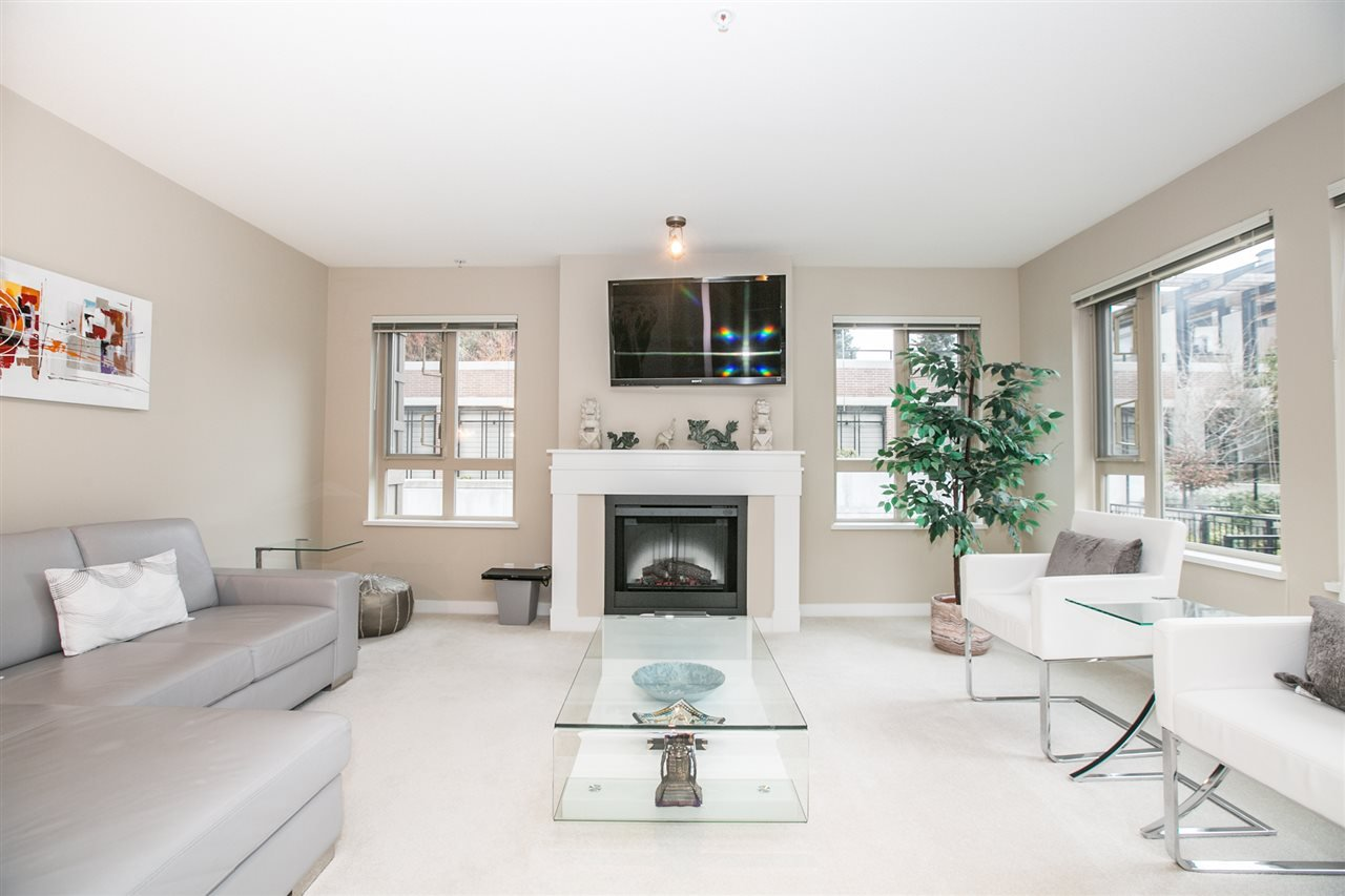 """Main Photo: 211 3105 LINCOLN Avenue in Coquitlam: New Horizons Condo for sale in """"LARKIN HOUSE"""" : MLS®# R2140315"""