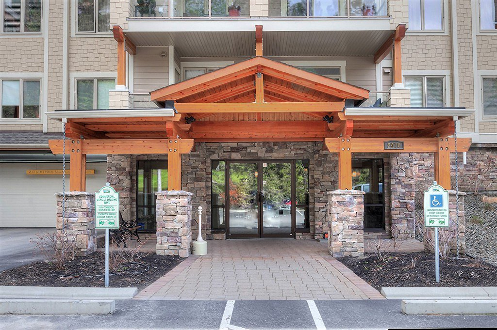 Main Photo: 102 2470 Tuscany Drive in West Kelowna: Shannon Lake House for sale (Central Okanagan)  : MLS®# 10132631