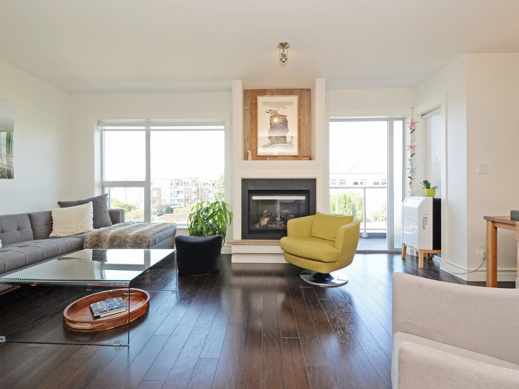 Photo 2: Photos: TH6 1288 CHESTERFIELD Avenue in North Vancouver: Central Lonsdale Townhouse for sale : MLS®# R2197784