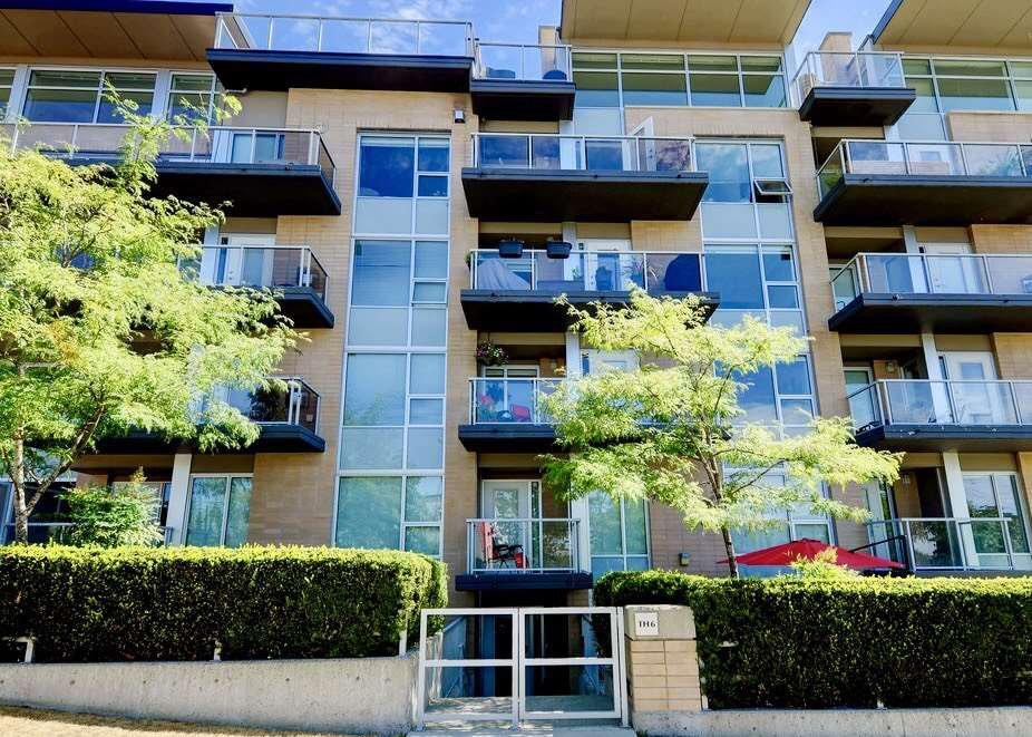 Photo 1: Photos: TH6 1288 CHESTERFIELD Avenue in North Vancouver: Central Lonsdale Townhouse for sale : MLS®# R2197784