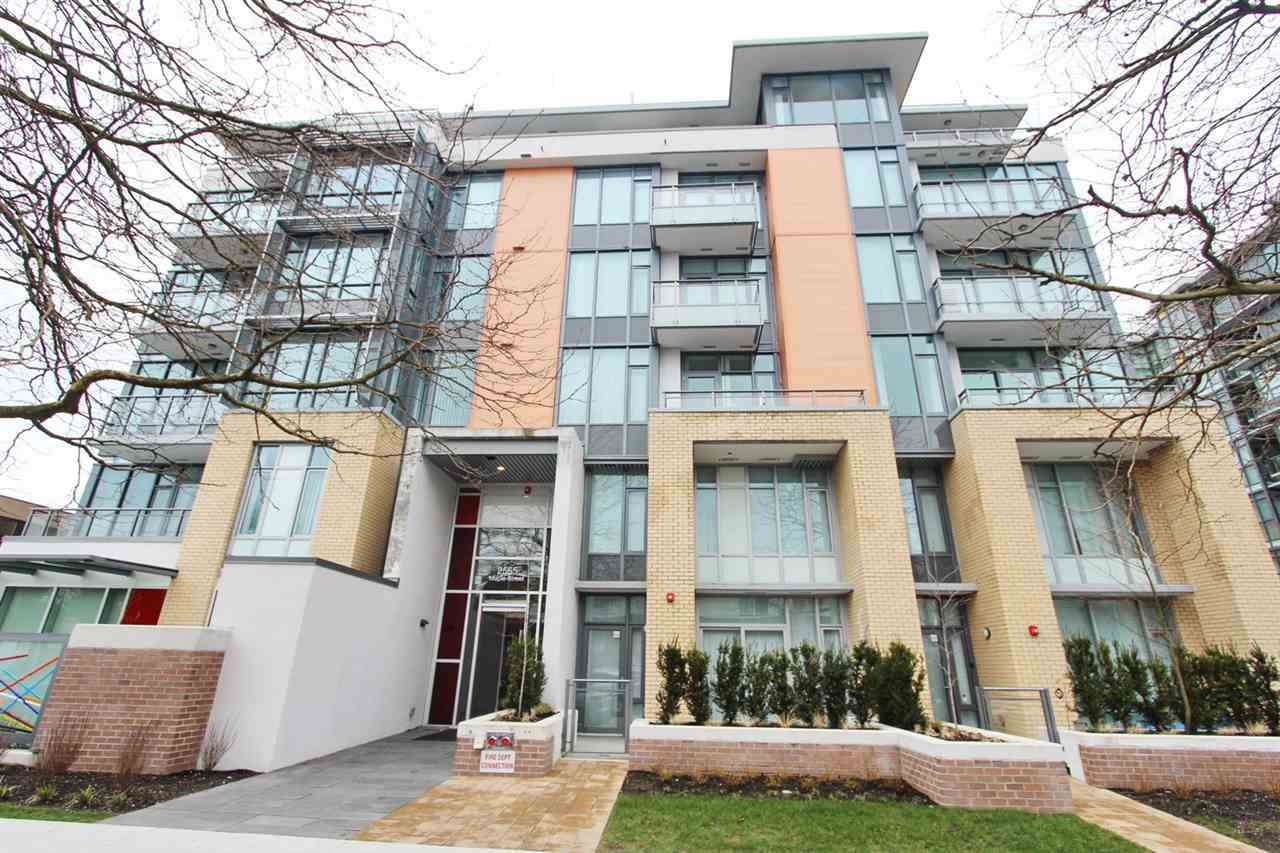 Main Photo: 309 2565 MAPLE Street in Vancouver: Kitsilano Condo for sale (Vancouver West)  : MLS®# R2245205