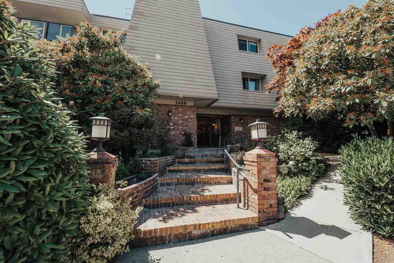 "Main Photo: 106 1429 MERKLIN Street: White Rock Condo for sale in ""Kensington Manor"" (South Surrey White Rock)  : MLS®# R2288845"