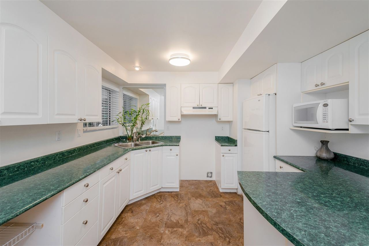 Photo 18: Photos: 22085 CANUCK Crescent in Maple Ridge: West Central House for sale : MLS®# R2354032