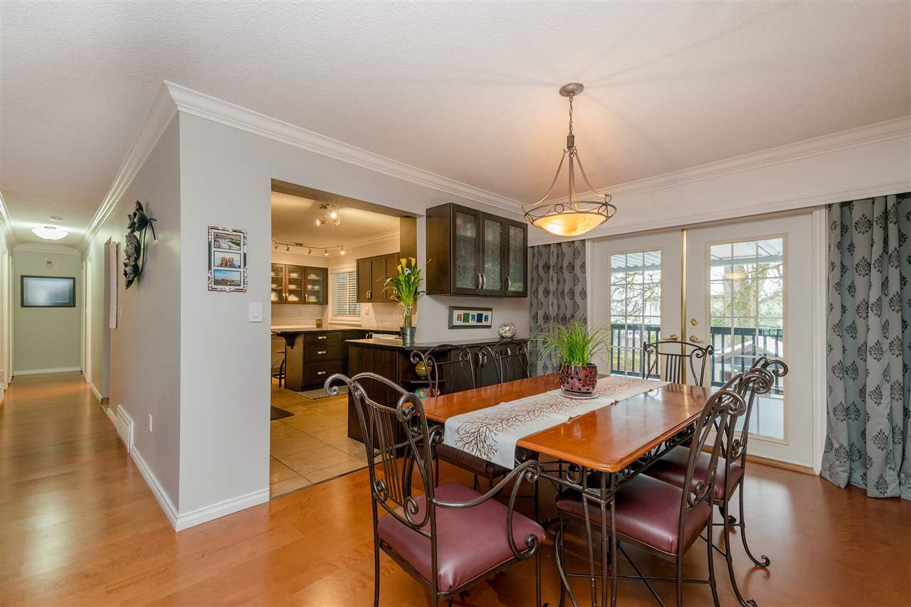 Photo 4: Photos: 22085 CANUCK Crescent in Maple Ridge: West Central House for sale : MLS®# R2354032