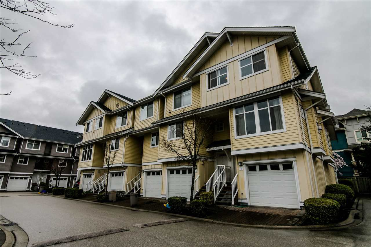 "Main Photo: 4 935 EWEN Avenue in New Westminster: Queensborough Townhouse for sale in ""COOPERS LANDING"" : MLS®# R2355621"