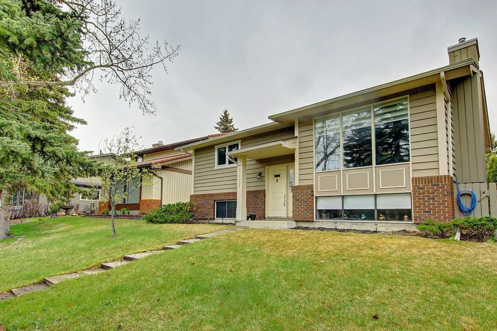 Main Photo: 6627 COACH HILL Road SW in Calgary: Coach Hill Detached for sale : MLS®# C4245453