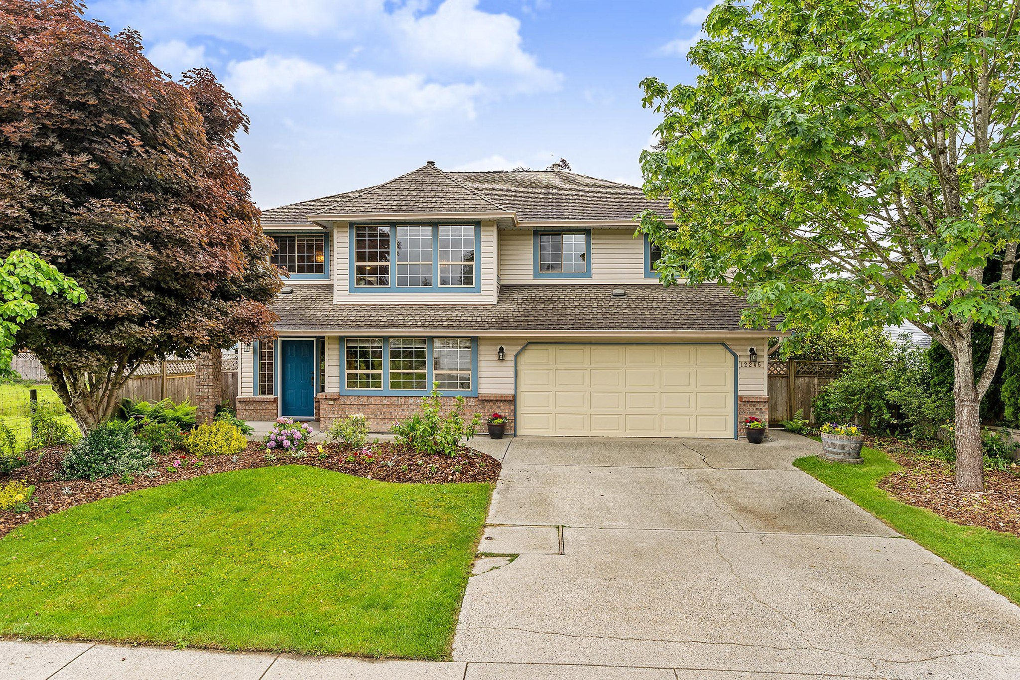 Main Photo: 12245 233 Street in Maple Ridge: East Central House for sale : MLS®# R2376318