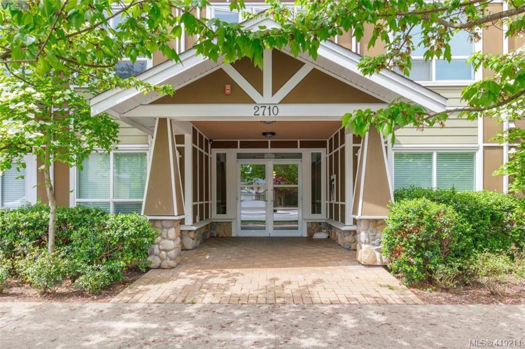 Main Photo: 217 2710 Jacklin Rd in VICTORIA: La Langford Proper Condo for sale (Langford)  : MLS®# 829692