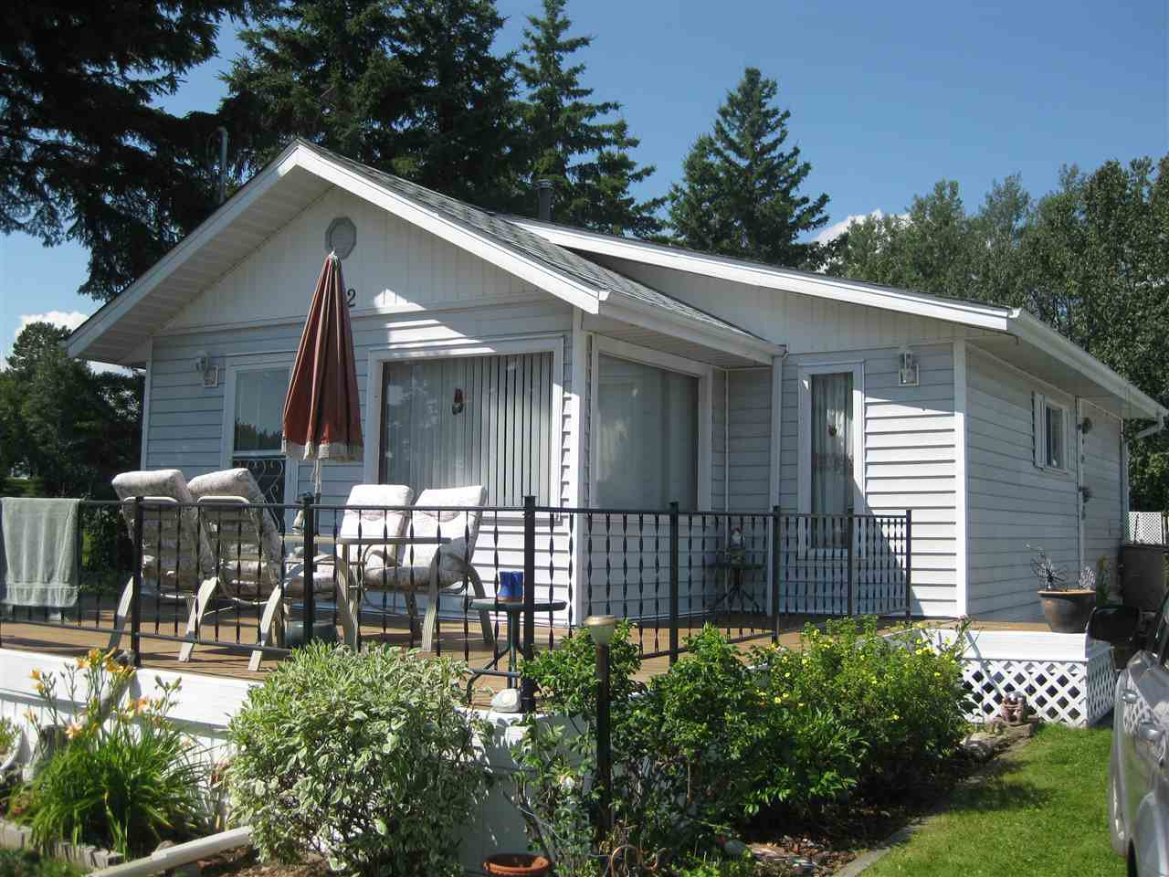 Main Photo: 102 Lakeview Avenue: Rural Lac Ste. Anne County House for sale : MLS®# E4193052