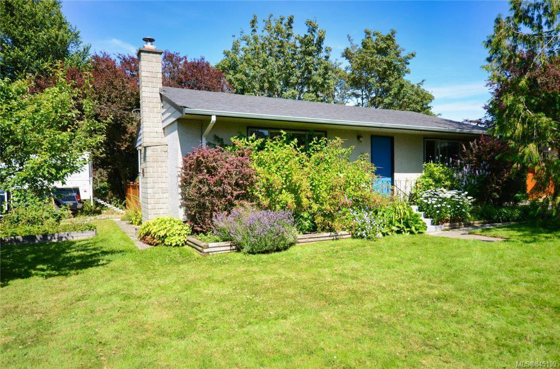 Main Photo: 790 Middleton St in Saanich: SW Gorge House for sale (Saanich West)  : MLS®# 845199